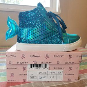 Olivia Miller Girl RUNWAY Mermaid Shoes Girls sz 3